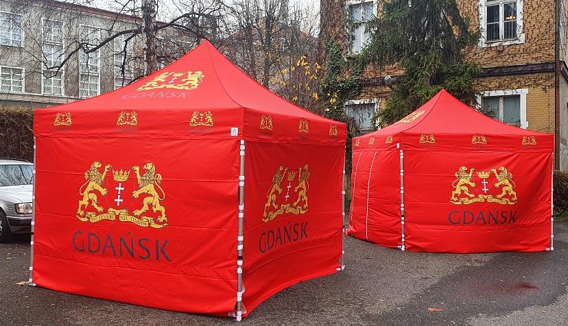 Namioty szybkorozkładalne – niezawodne wsparcie przy eventach w plenerze?